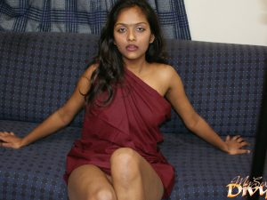Divya Indian Babe Juicy Natural Tits