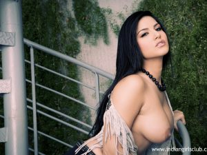 Sunny Leone Juicy Indian Babes Nude 9