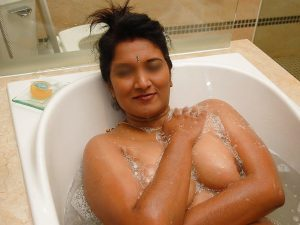 Big Tits Hot Indian Girl Shower Photos 2