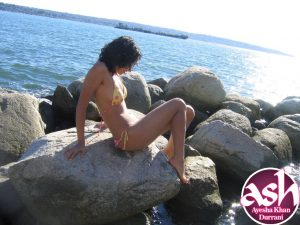Sexy Young Beautiful Indian Girl Nude Beach Photos 3